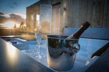 Gilpin-Hotel-Spa-Lodge-Hot-Tub-Champagne